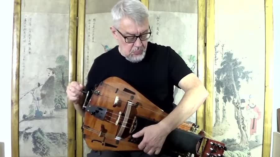 Aequilibrium on Hurdy Gurdy. It comes to my attention that some Funnyjunkers don't know 'bout dat hurdy gurdy -- the most autistic (and awesome) pirate instrume