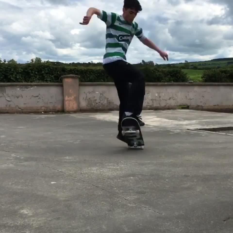 Kickflip. .