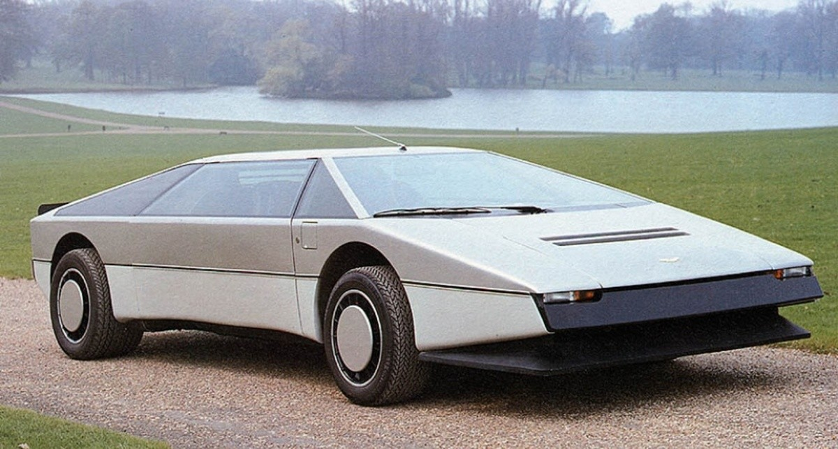 1980 Aston Martin Bulldog. .. damnit now i want one of these badly this is the ideal 80s car