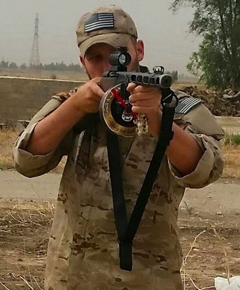 American with ISIS commanders gun. .. It looks like some edge lords modded gun in blops 1 or 2