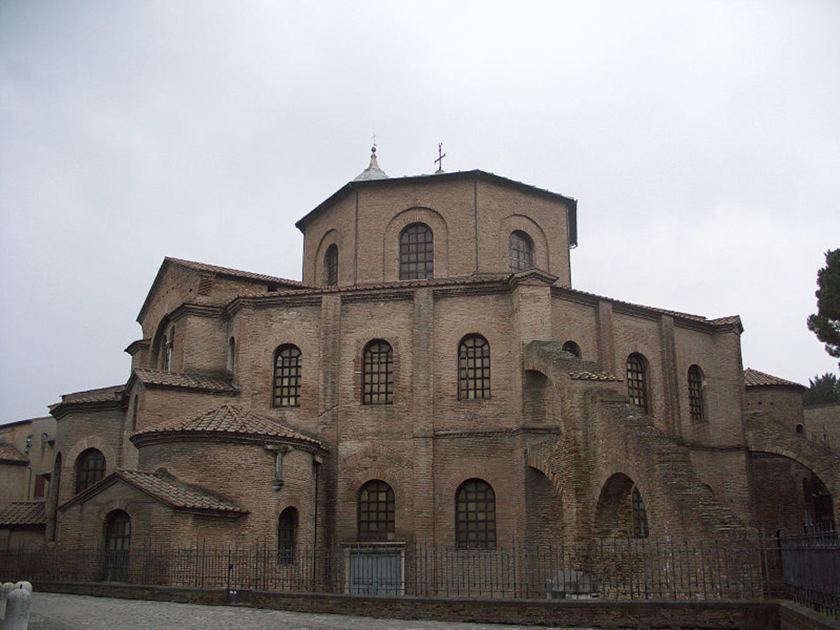 Basilica di San Vitale (Ravenna, Italy). join list: AwesomeArchitecture (77 subs)Mention History.. Romanesque architecture is best architecture.