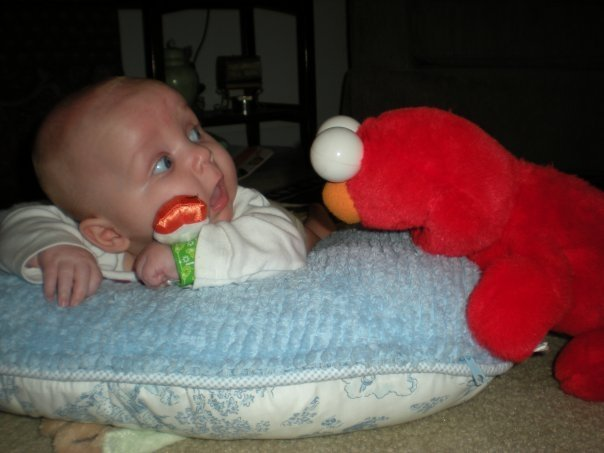 """freak me the out elmo. source: <a href=""""http://www.collegehumor.com/picture:1929503"""" target=_blank>www.collegehumor.com/picture:1929503</a&gt"""