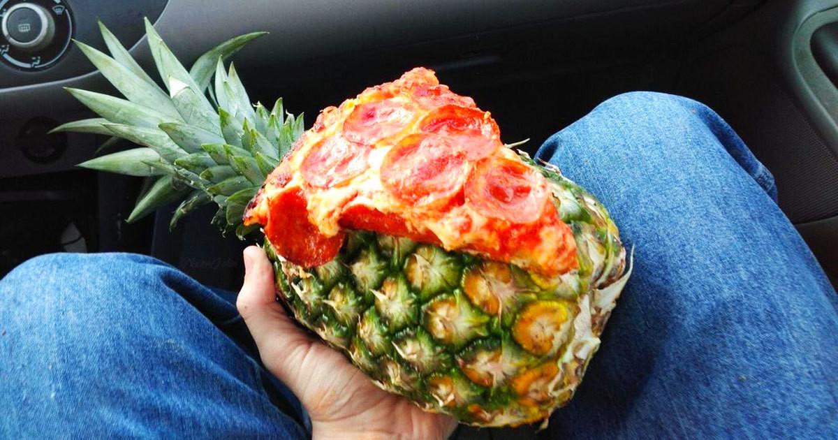 pizza pineapple. .