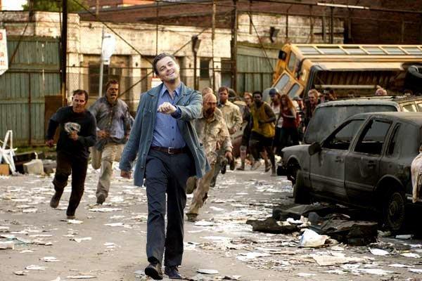 Strutting Leo Zombie attack. Walking away Lalalala.