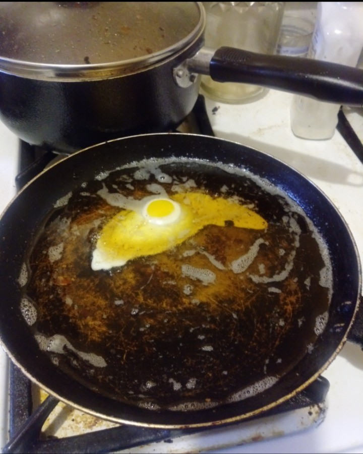 think this too much oil?... join list: EGG (175 subs)Mention Clicks: 5060Msgs Sent: 28207Mention History.. Deep fried egg.... I need to try that. Deep fried bacon is perdy fukkin good.